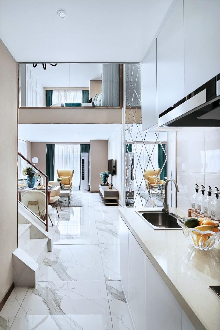 50平现代轻奢复式公寓