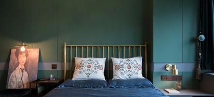新古典50平老房改造复古的祖母绿卧室