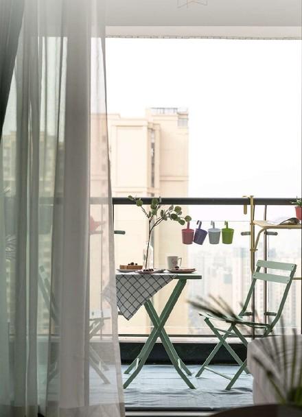 85平米的二居室,北欧风阳台