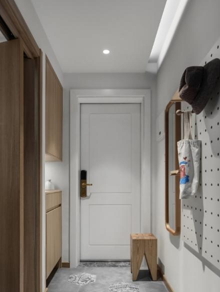 72m²日式两居室宁静素雅玄关