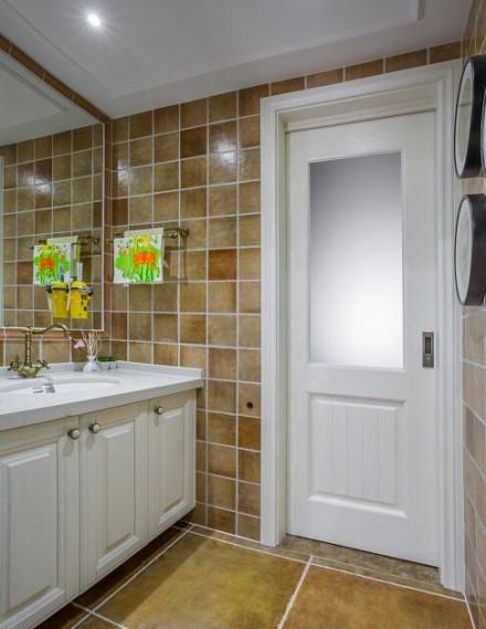 170平美式风格四室两厅卫生间