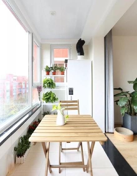 123㎡三室,灯光配西洋古典画美出新境界阳台