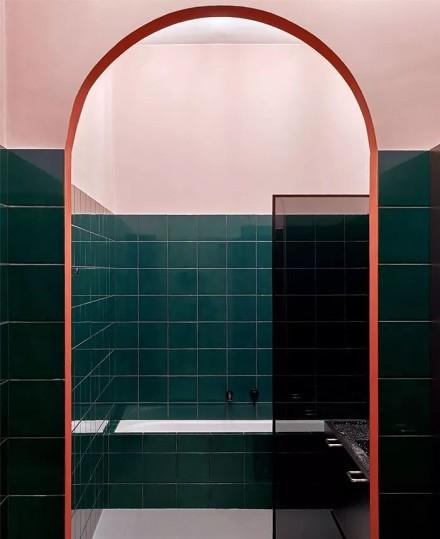 99平米的色彩艺术舒适、个性卫生间
