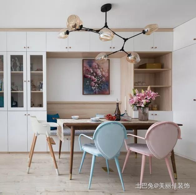 57m²小两居竟可以住下8个人厨房现代简约餐厅设计图片赏析