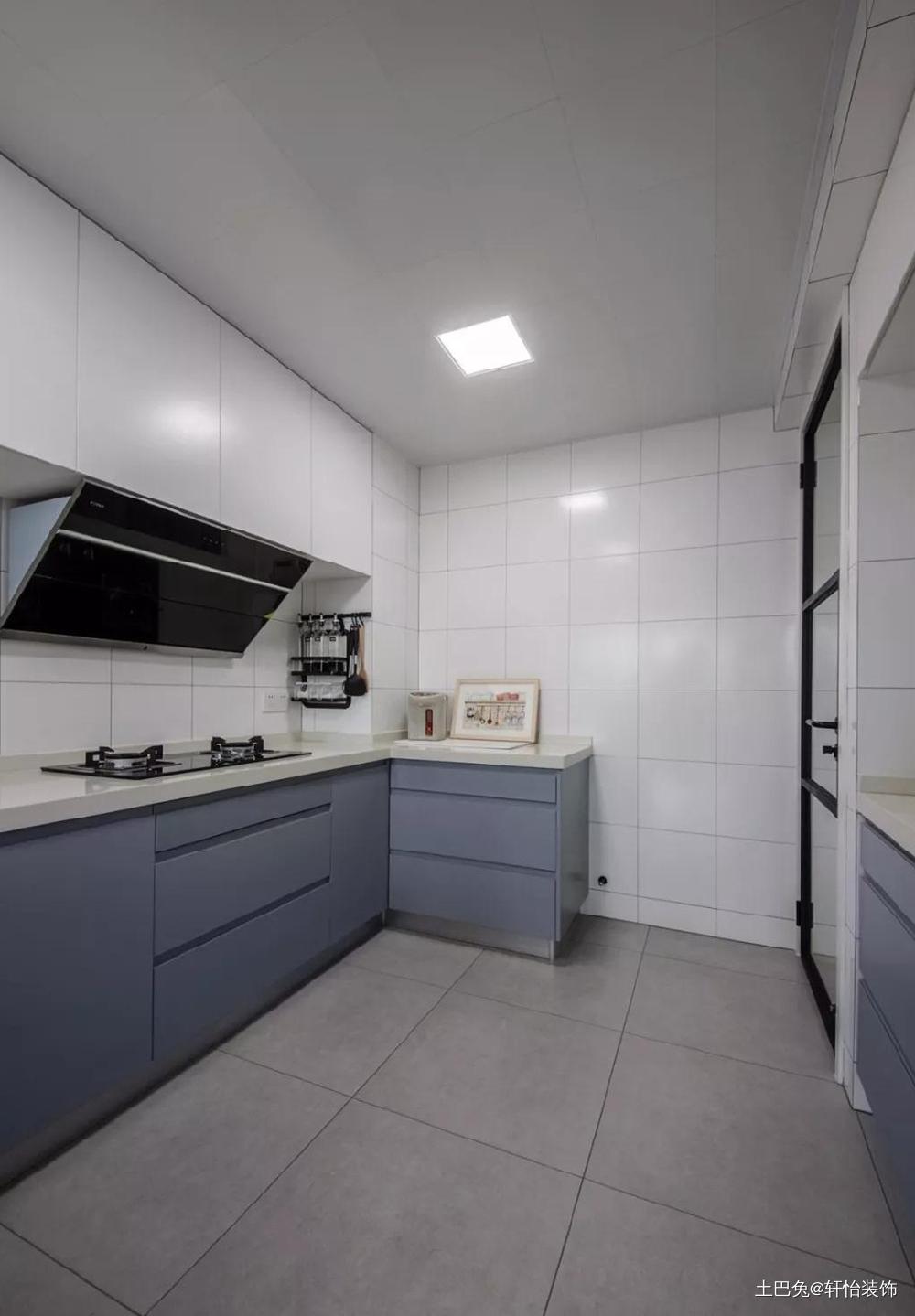 123㎡9北欧婚房客厅两扇隐形门餐厅现代简约厨房设计图片赏析