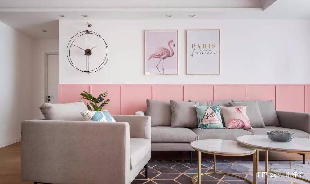 110㎡金粉北欧温馨小情调客厅木地板现代简约客厅设计图片赏析