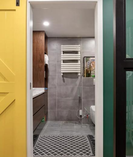 北欧风小户型二居室,客厅小吧台点睛多彩卫生间