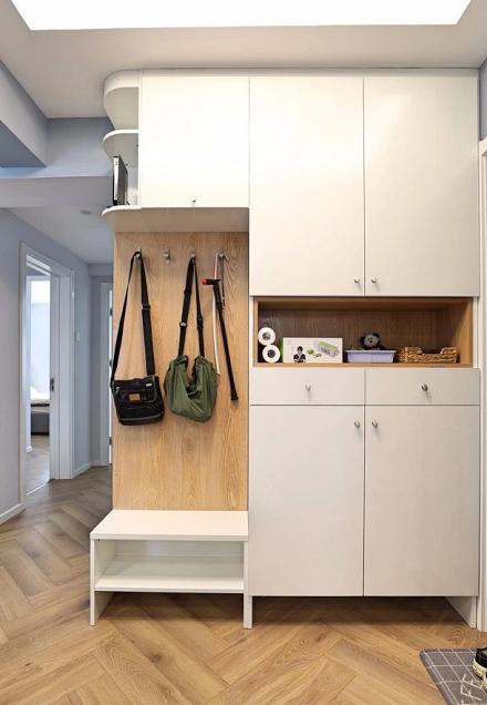 清新北欧两居吧台隔出明亮厨房玄关