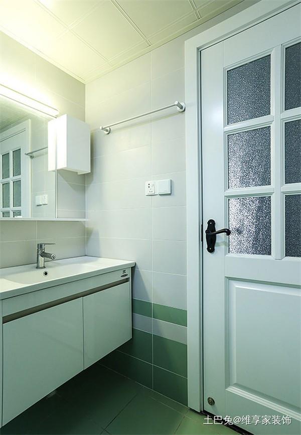 65平二居室北欧风格的新家卫生间洗漱台北欧极简卫生间设计图片赏析