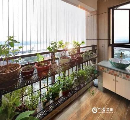 100平美式三居 餐厅两用性设计阳台