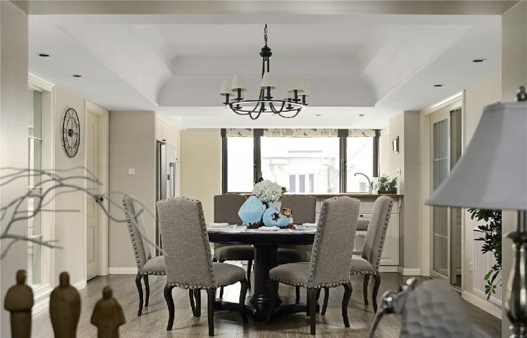 136平米复式客厅装修