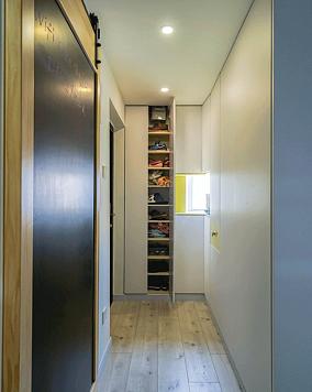 40㎡小公寓,每个角落都是幸福感!玄关现代简约设计图片赏析