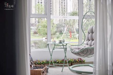 110平轻奢美式浪漫色彩搭配阳台