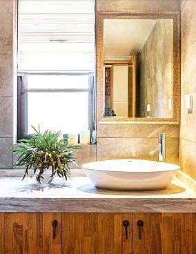 130平米的三居室,中式风格卫生间设计图片赏析