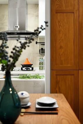 85平的空间实现文化和在生活之上的价值餐厅现代简约设计图片赏析