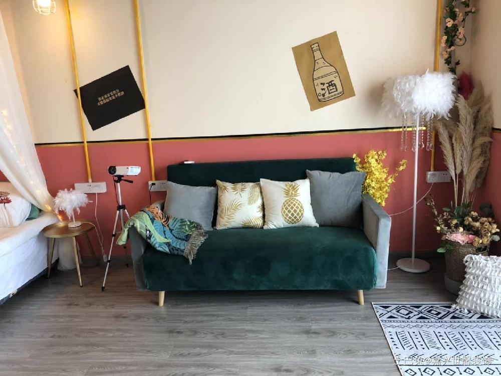 工业风潮流混搭单身公寓3.5万继续省客厅沙发潮流混搭客厅设计图片赏析
