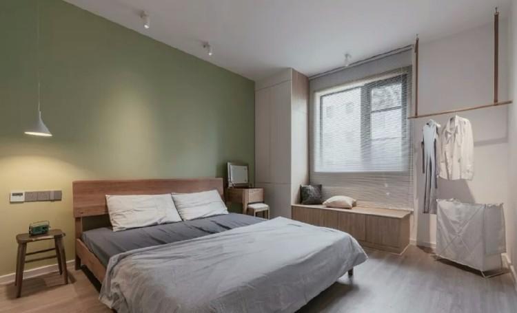 120平干凈木色三室 實用整墻電視柜