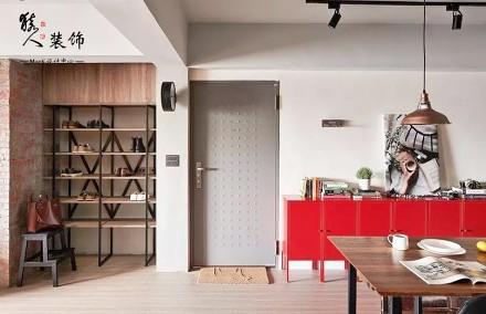 106平个性单身宅和谐设计感工业风玄关