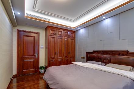 260m²纯水岸中式风格卧室1图