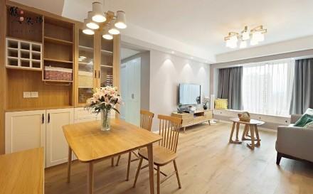 89平现代简约实用木色三口之家厨房
