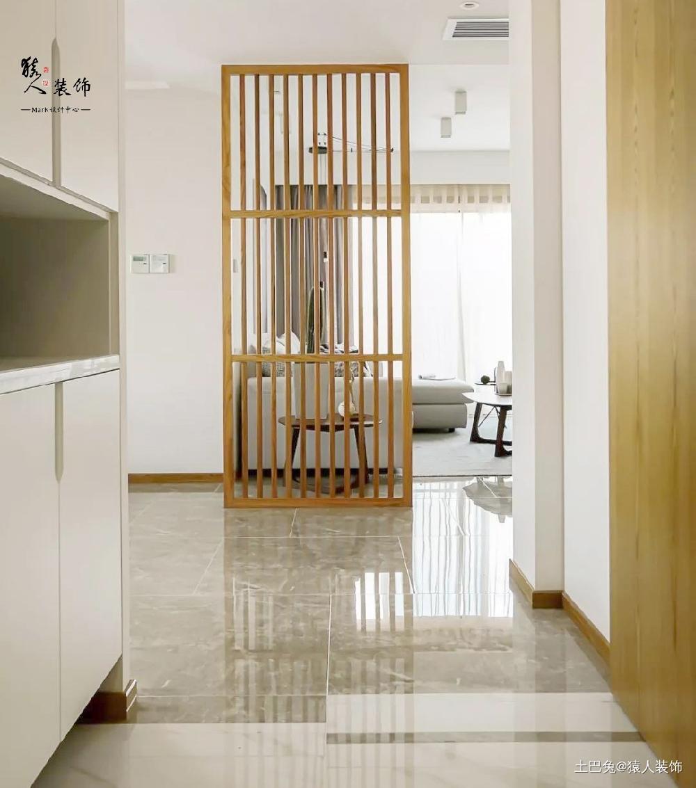 客厅三隐形门136平现代混搭三居玄关潮流混搭玄关设计图片赏析