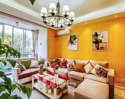 85m²混搭,黄色皇家风范客厅3图