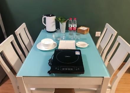 55平小空间,绿色极简风格厨房2图