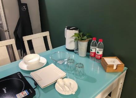 55平小空间,绿色极简风格厨房1图