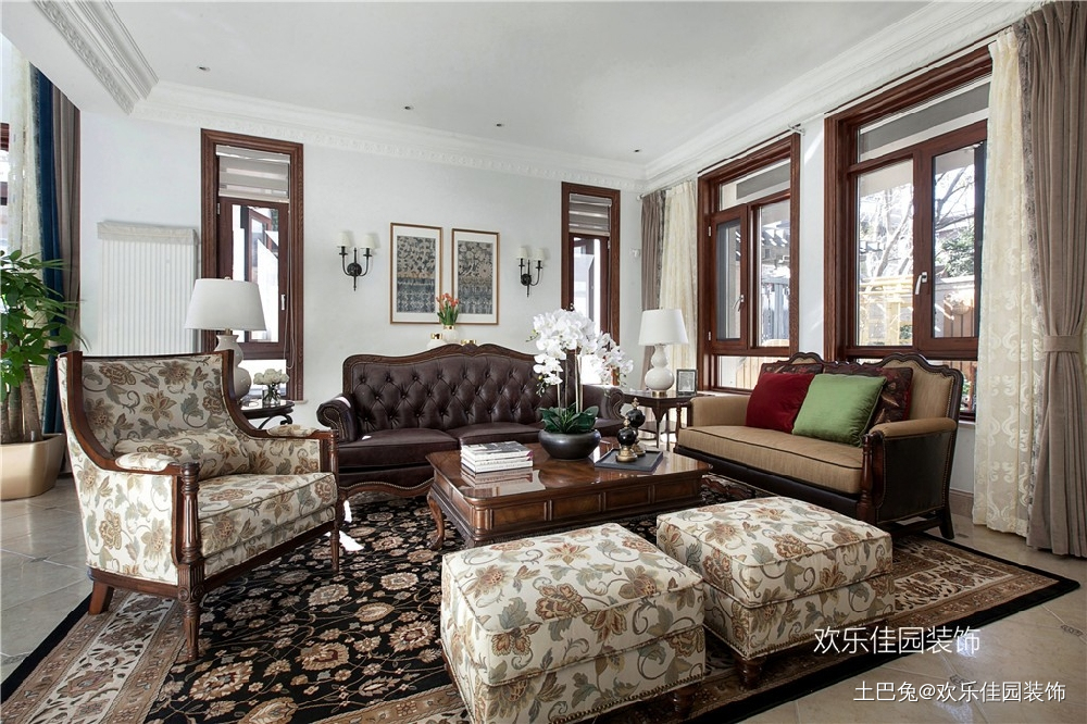 550平别墅一层美式一层中式客厅美式经典客厅设计图片赏析