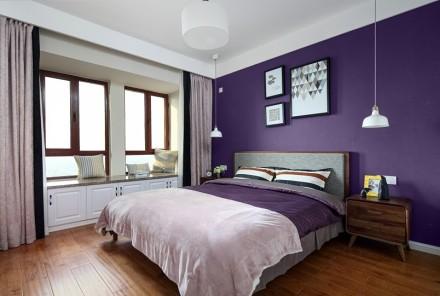 原木与多彩搭配的简约北欧风卧室2图
