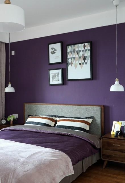 原木与多彩搭配的简约北欧风卧室1图