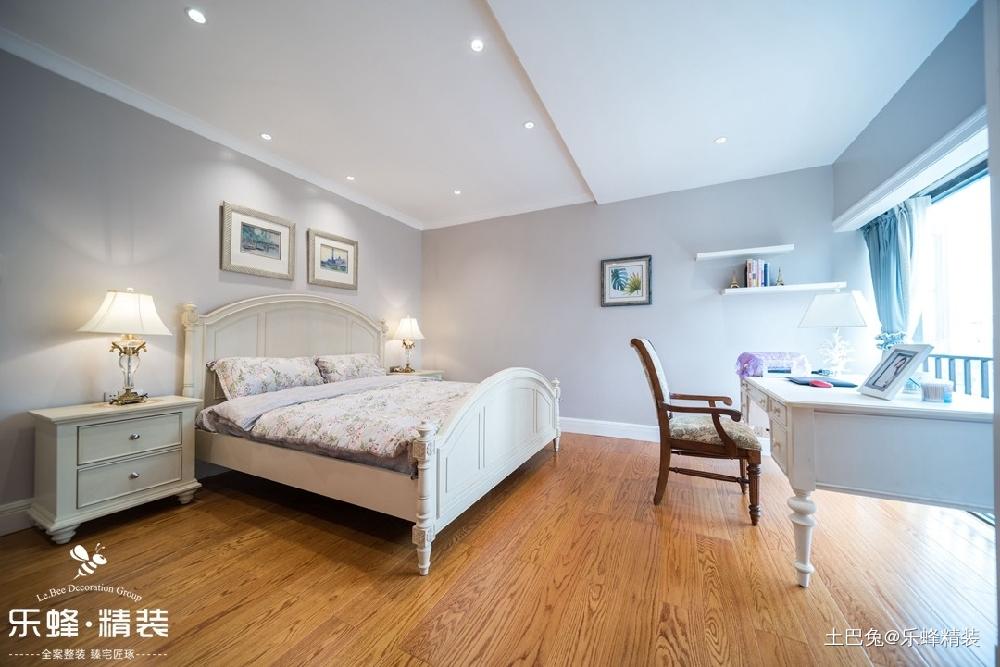 顶楼复式就该这样装修大气优雅尊贵无比卧室美式经典卧室设计图片赏析