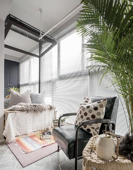 60㎡文艺风,女青年的小户型设计阳台