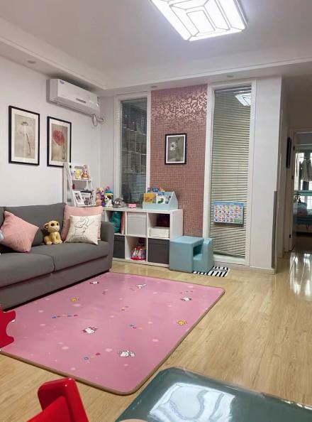 79平两室一厅简约装修客厅2图