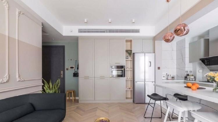 客餐厅和厨房共用一个空间,还有大洗手台