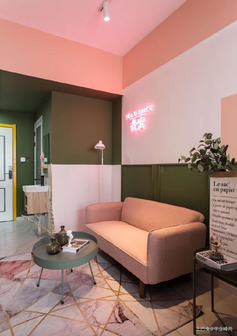 超常见一室一厅如何爆改?客厅木地板现代简约客厅设计图片赏析
