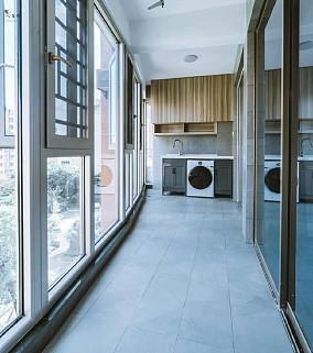 124平现代简约实用三室阳台现代简约设计图片赏析