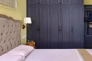 美式的小二居,色彩丰富卧室