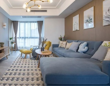 118平米日式三居室简约风客厅