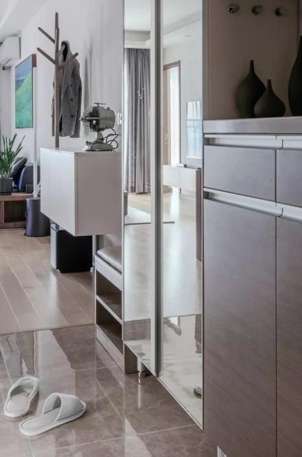 88平日式三室两厅,舒适原木风玄关