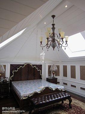 斜顶阁楼欧式卧室装修效果图