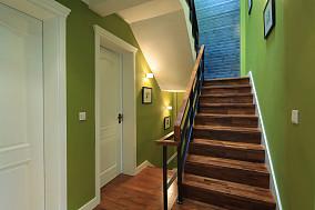 混搭风格阁楼楼梯装修效果图