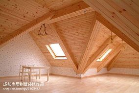 2013实木斜顶阁楼装修效果图片