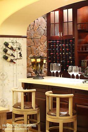 别墅现代酒窖酒柜装修效果图
