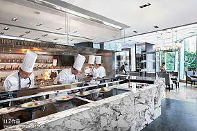 酒店厨房图片