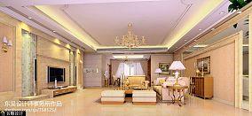现代欧式挑高式客厅装修