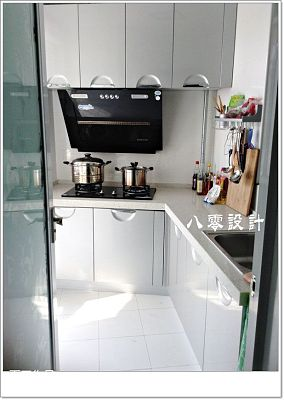 家居一字型厨房装修效果图
