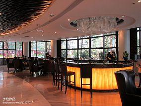 现代式餐厅博古架设计图片