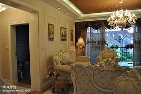 美式客厅沙发背景墙效果图欣赏