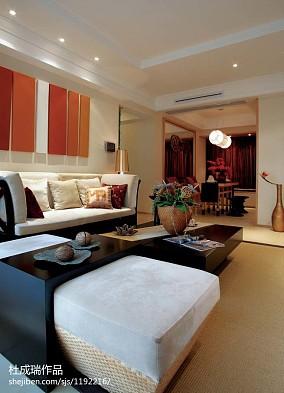 热门四居客厅东南亚实景图片欣赏